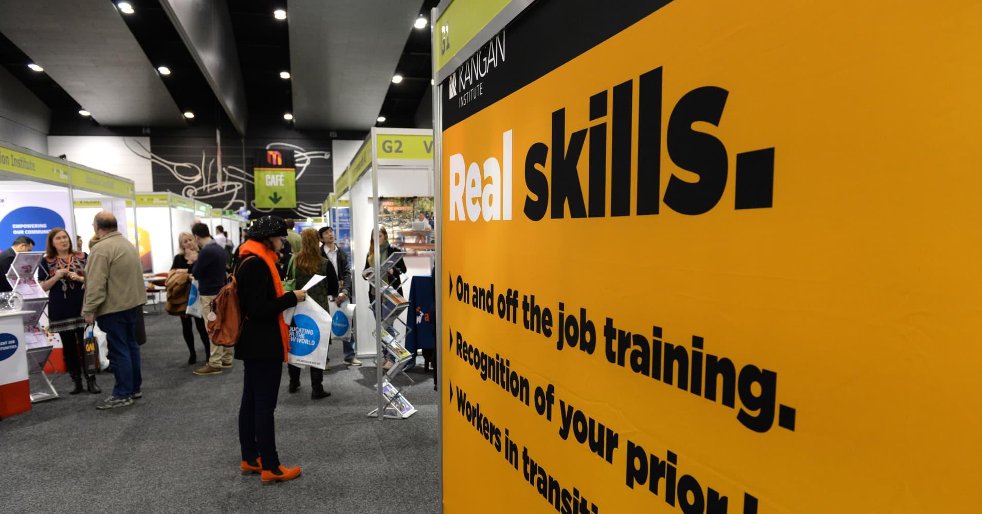Australia jobs enjoy bumper October in broadly strong report
